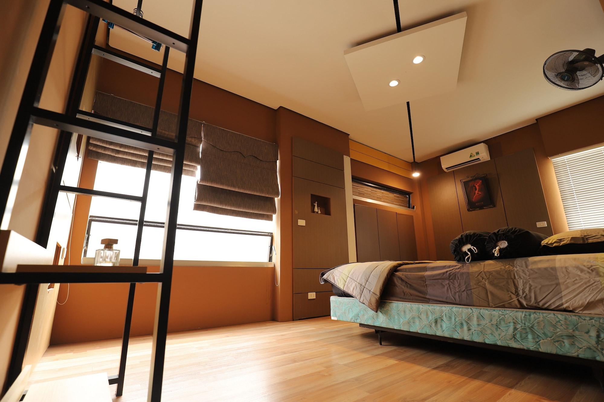 The Art - Teddy House, Ba Đình