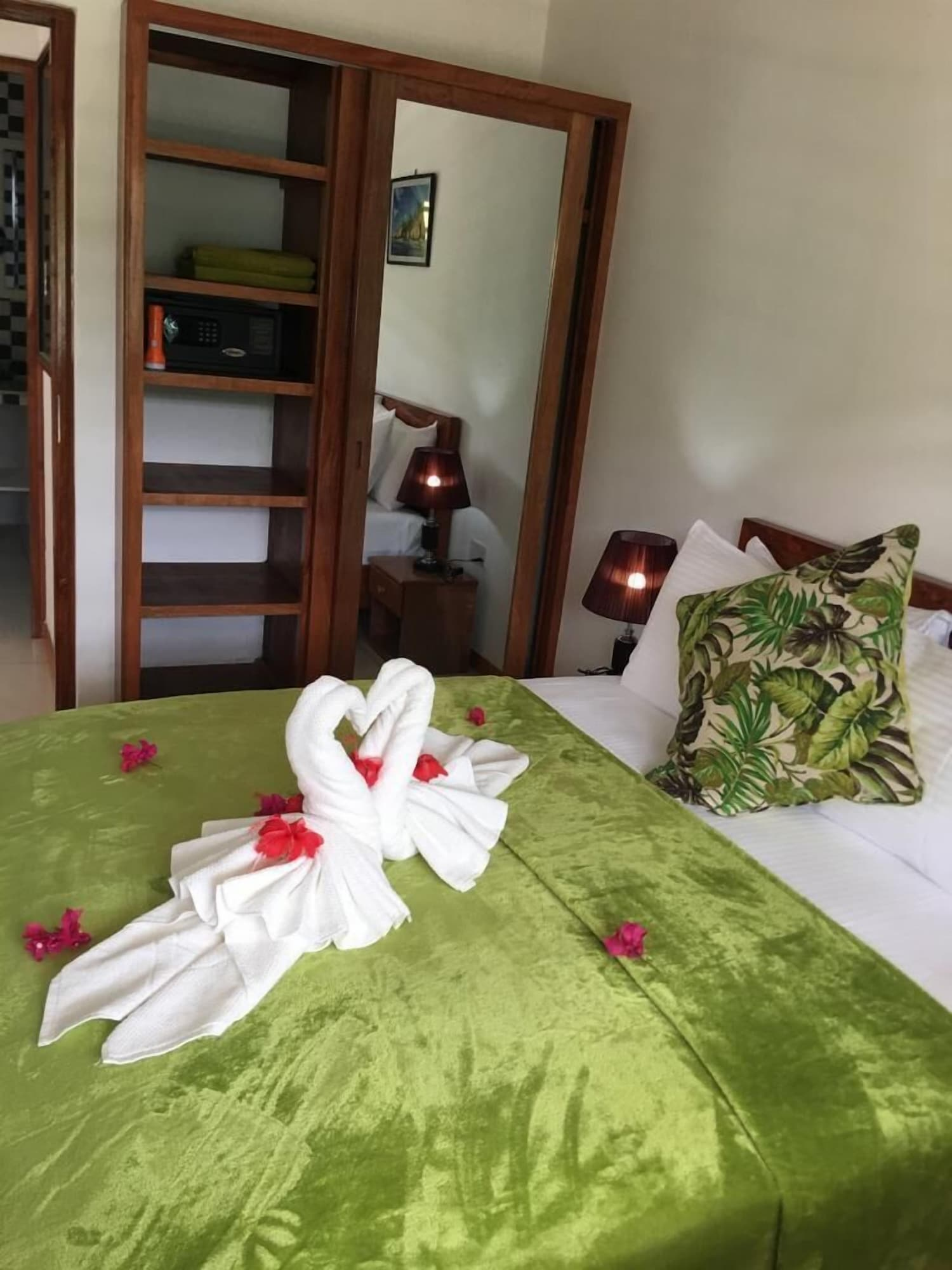 Creole Breeze Self Catering Apartments,