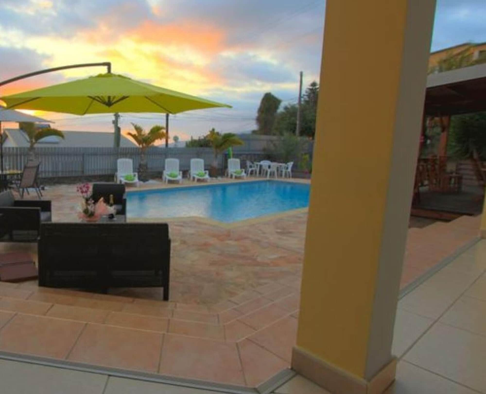 Villa With 4 Bedrooms in Le Tampon, With Wonderful sea View, Private Pool, Enclosed Garden - 11 km From the Beach, Le Tampon