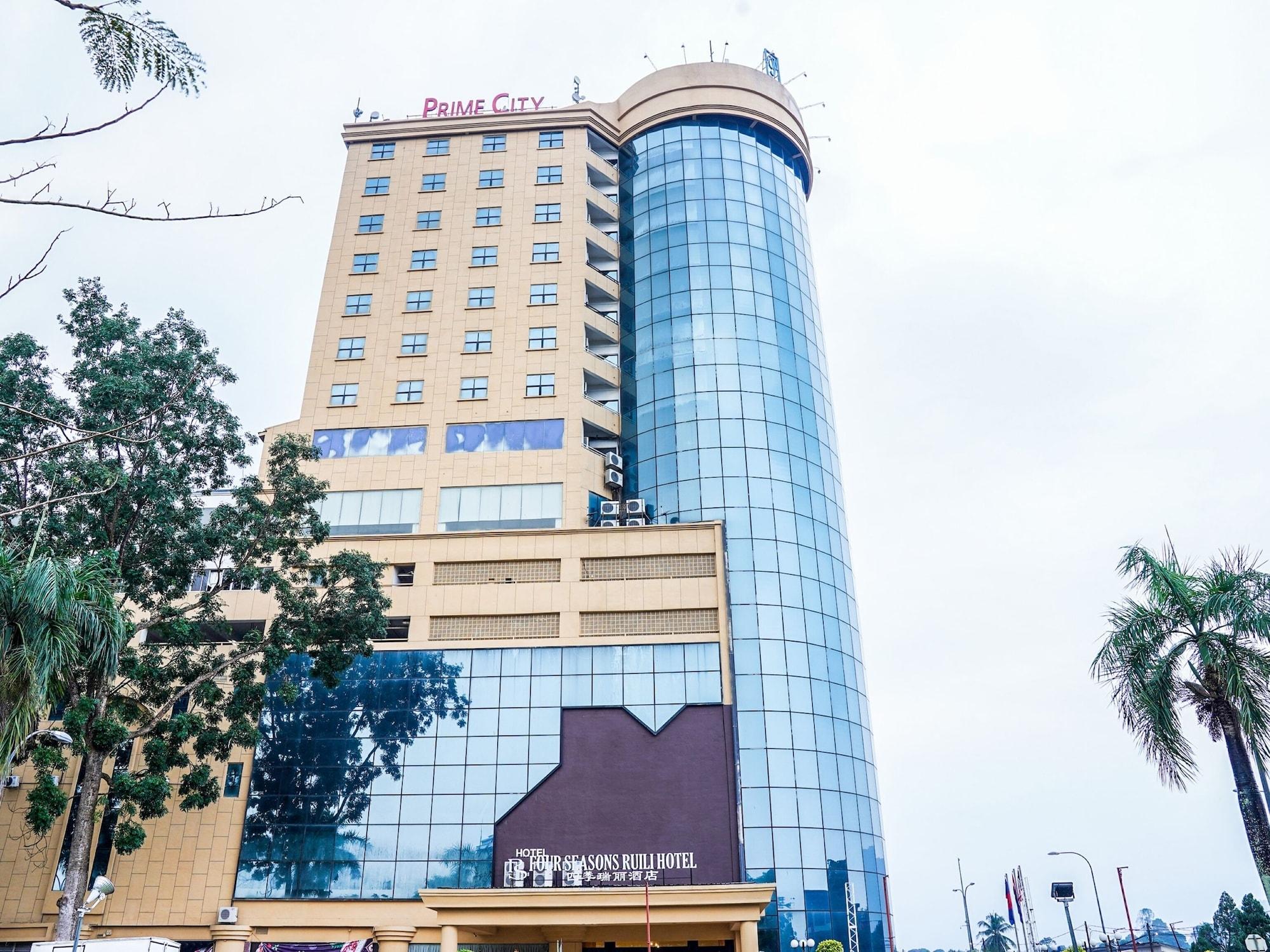 Capital O 89508 Four Seasons Ruili Hotel, Keluang