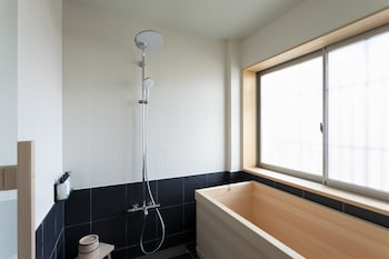 2254 Bathroom
