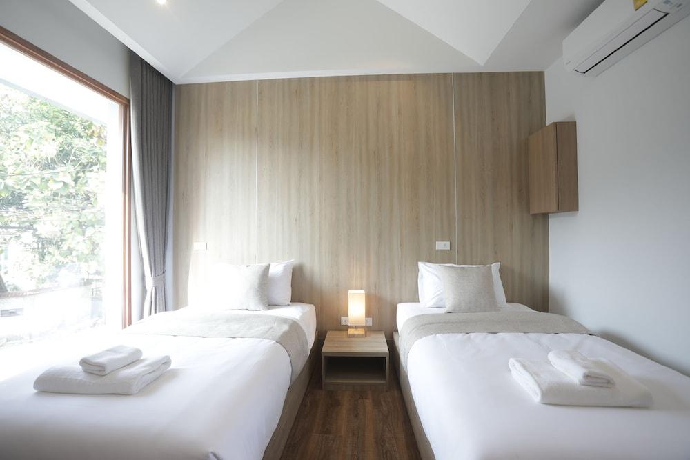 フォー オクロック ホテル