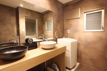 ALPHABED HIROSIMA NAKAMACHI Bathroom Sink