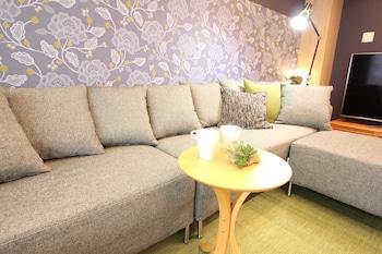 ALPHABED HIROSIMA NAKAMACHI Living Room