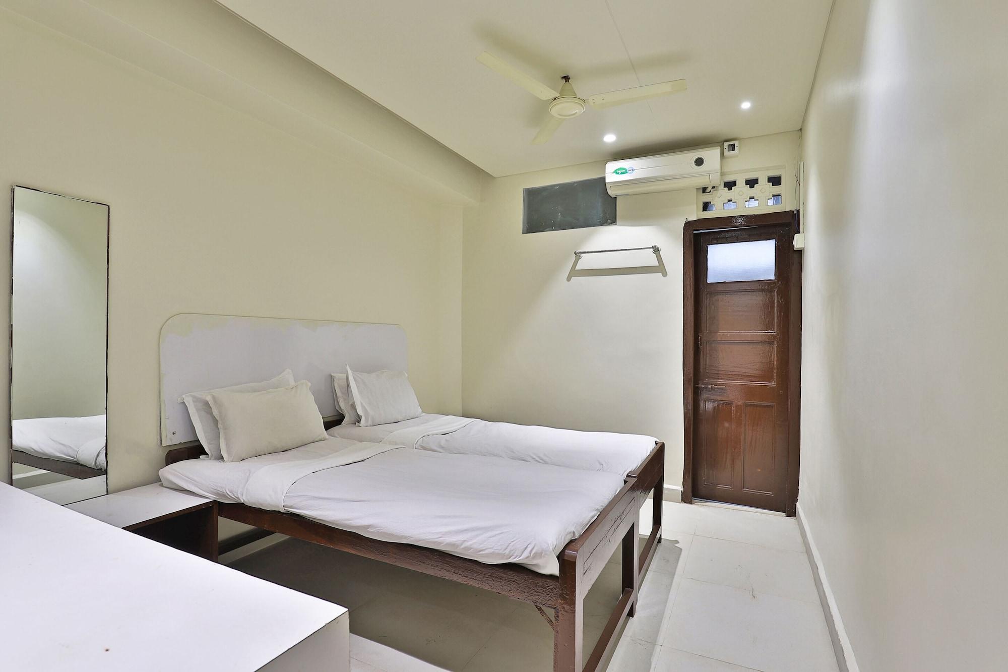 SPOT ON 48390 Hotel Satkar, Gir Somnath