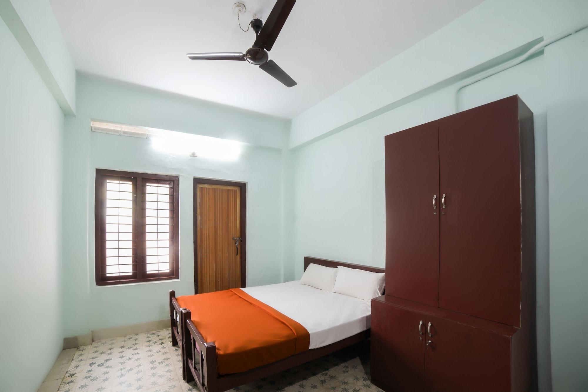 SPOT ON 45878 Adoor Homestay, Pathanamthitta