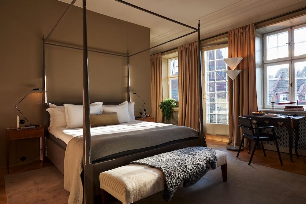 https://i.travelapi.com/hotels/43000000/42010000/42007100/42007061/3b25b1ff_z.jpg
