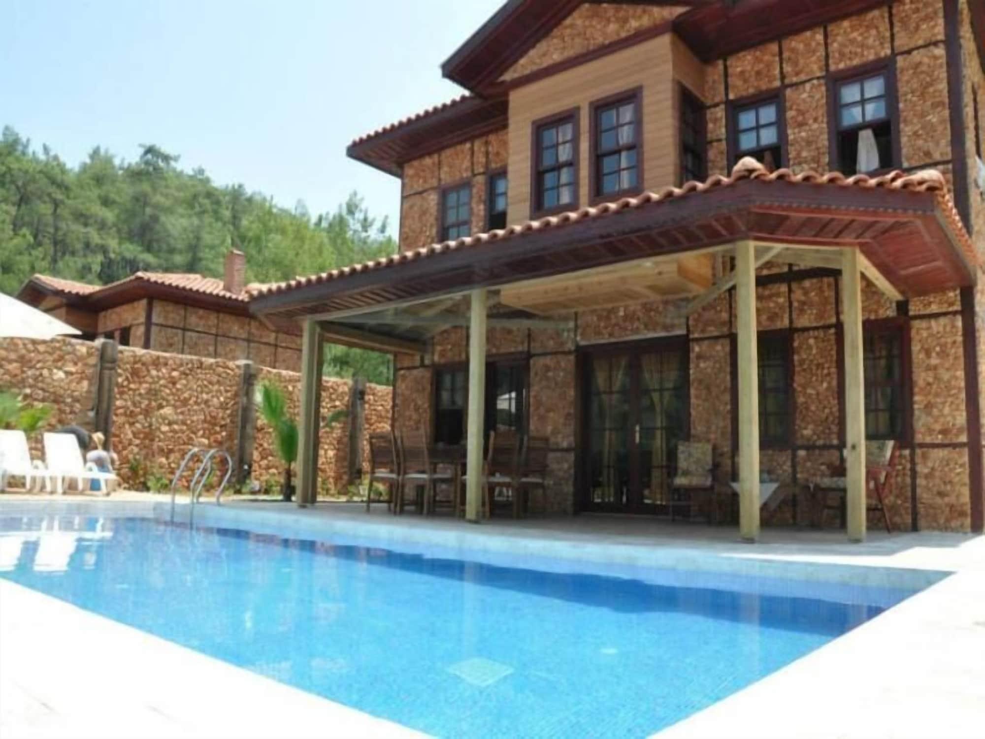 Villa Ihlamur, Ula
