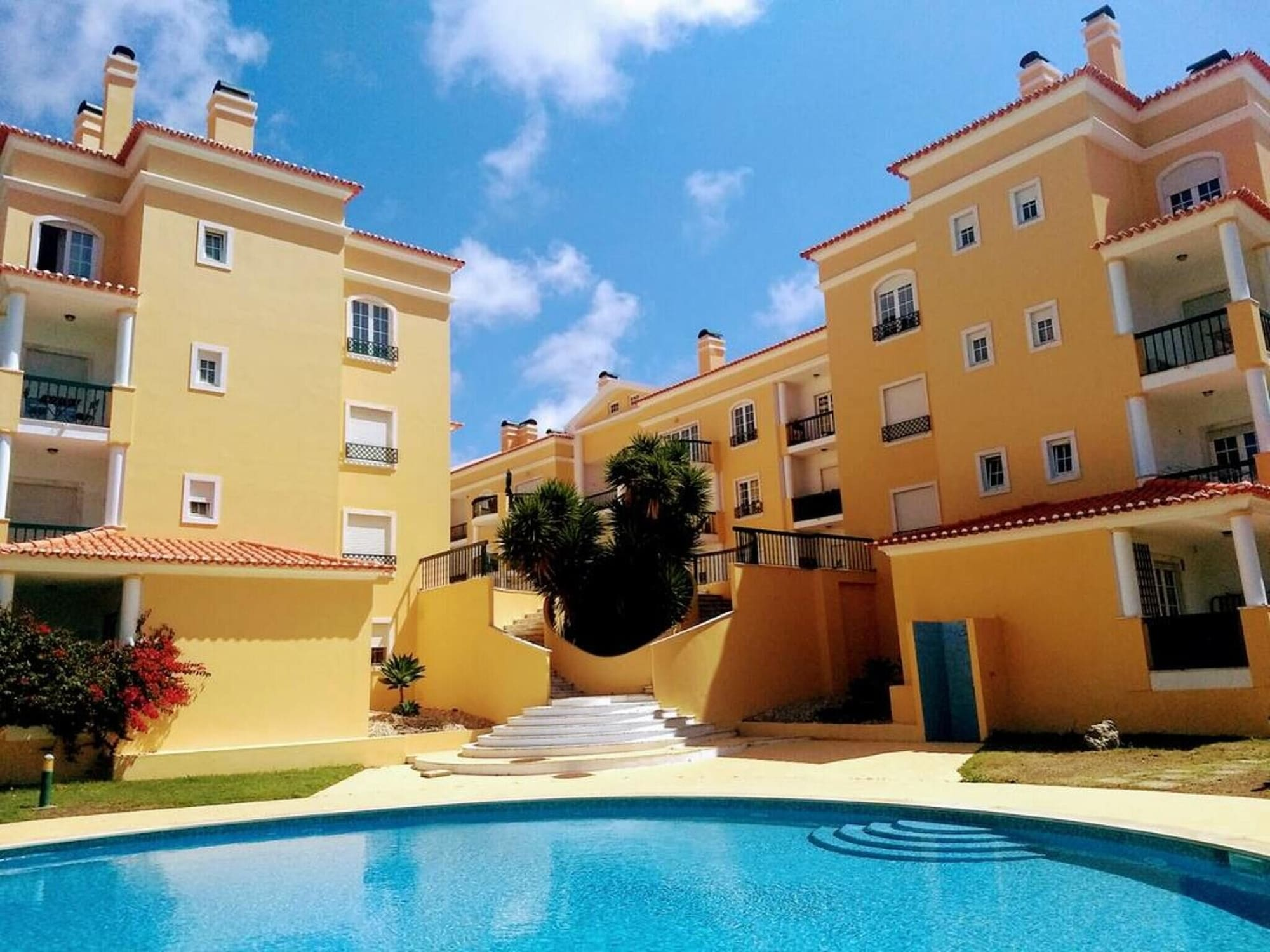 Apartment With 2 Bedrooms in Alcabideche, With Wonderful City View, Pool Access and Enclosed Garden - 2 km From the Beach, Cascais