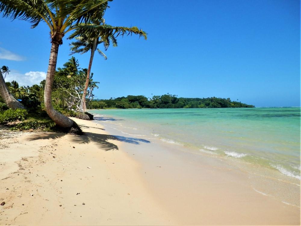https://i.travelapi.com/hotels/43000000/42100000/42093700/42093645/c1c89746_z.jpg