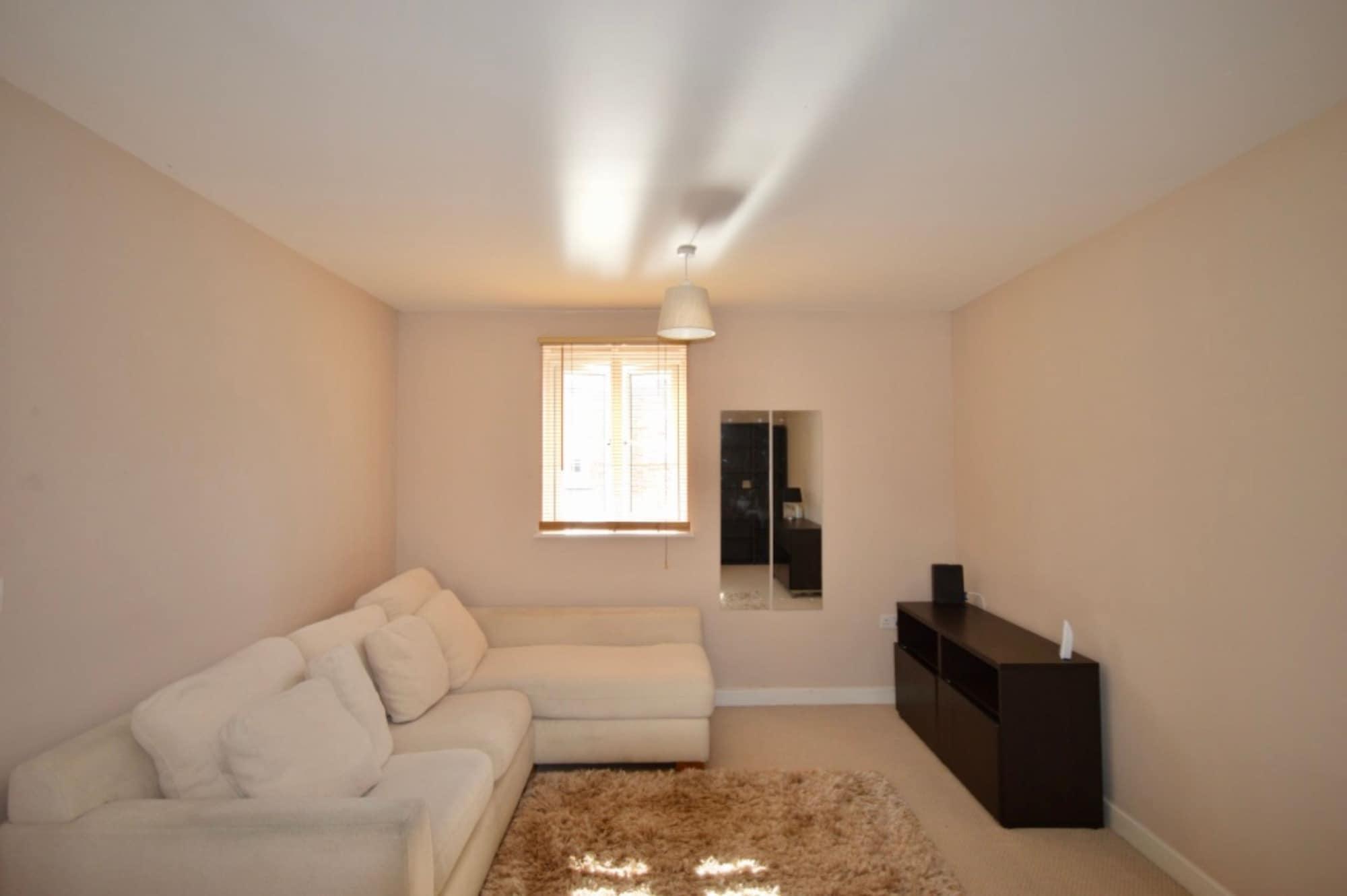 Bright 2 Bedroom Flat in Bedminster, Bristol