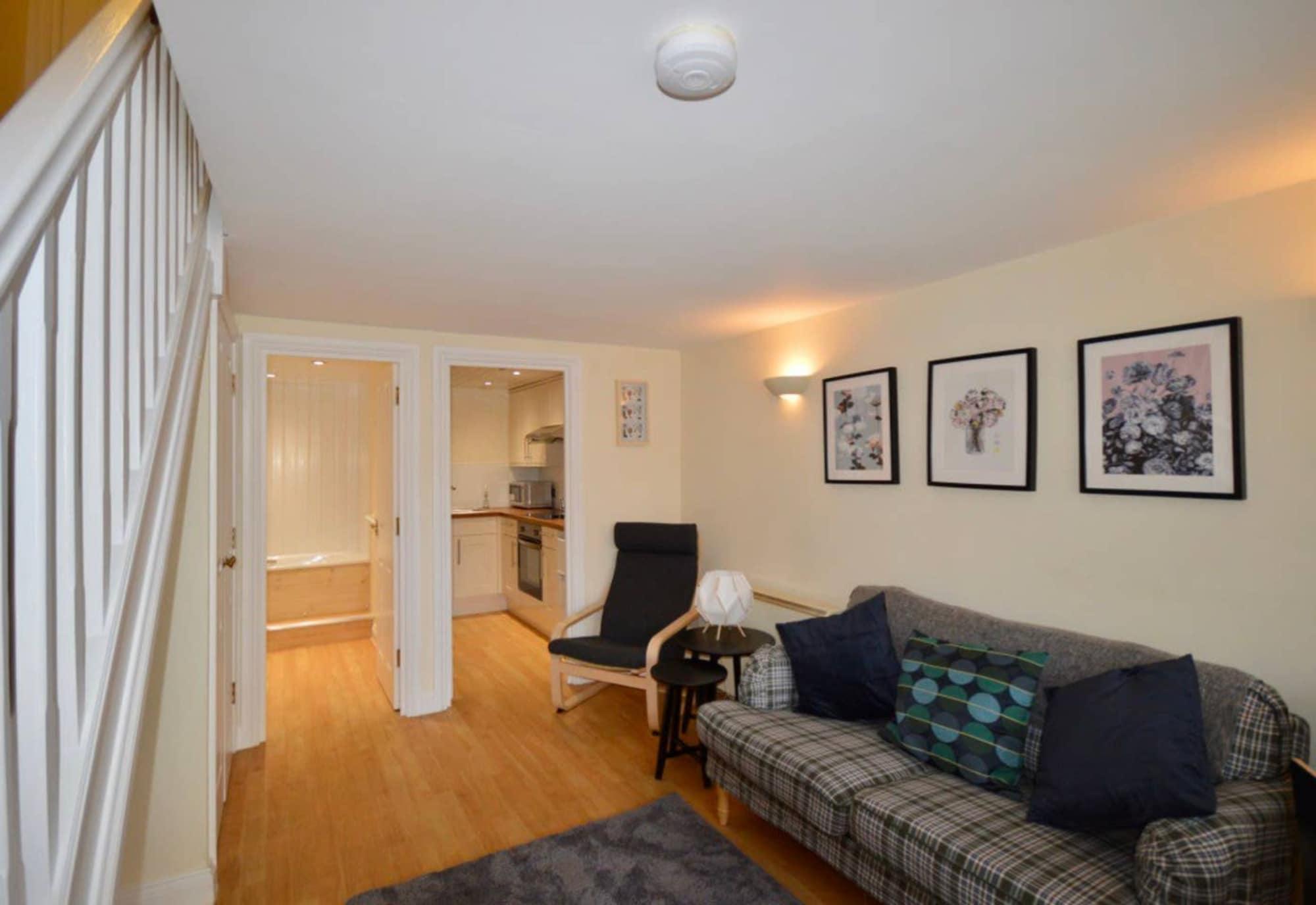 Cosy 2 Bedroom Bristol Home, Bristol