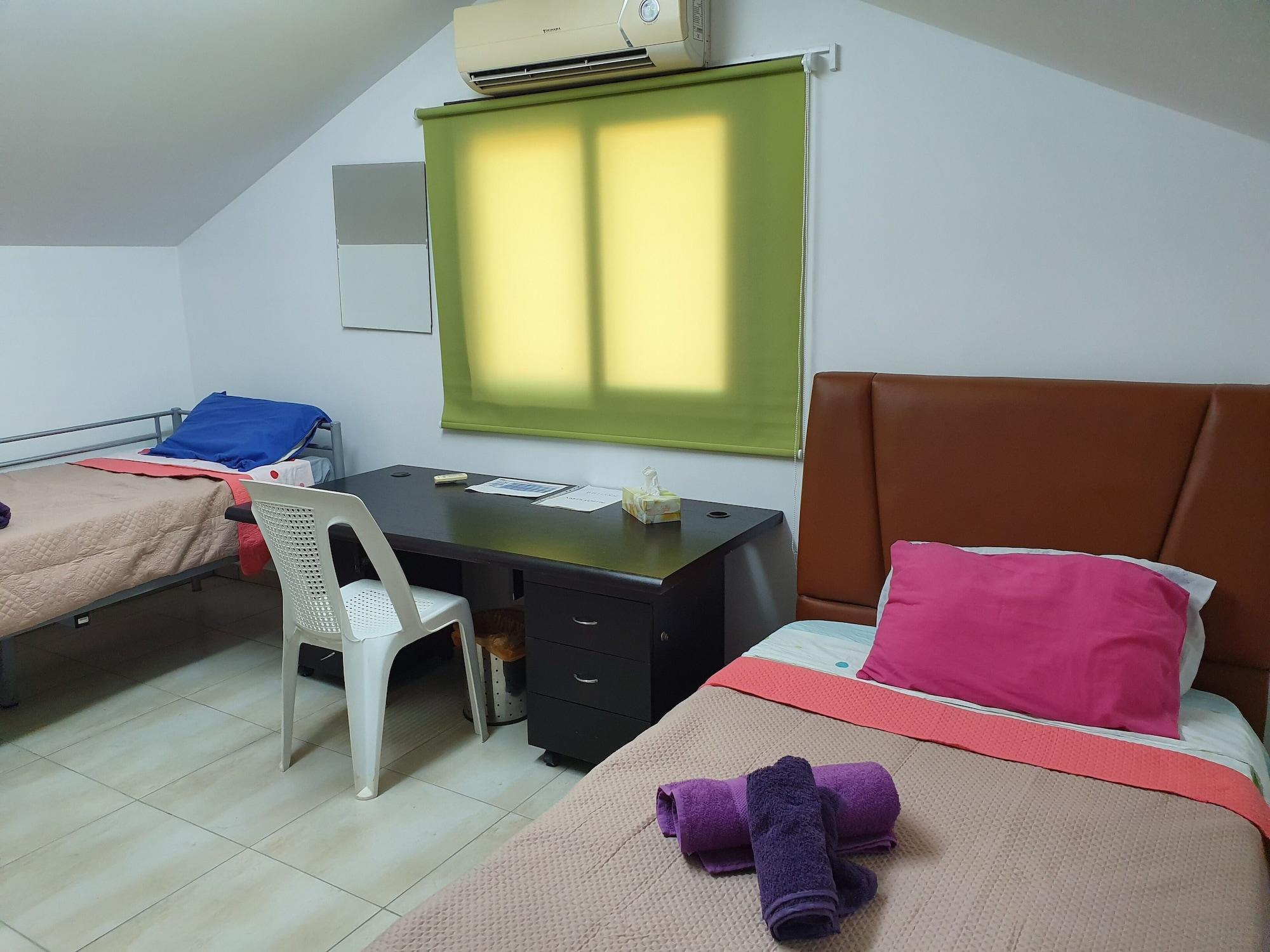 Acticon Rooms Larnaca,