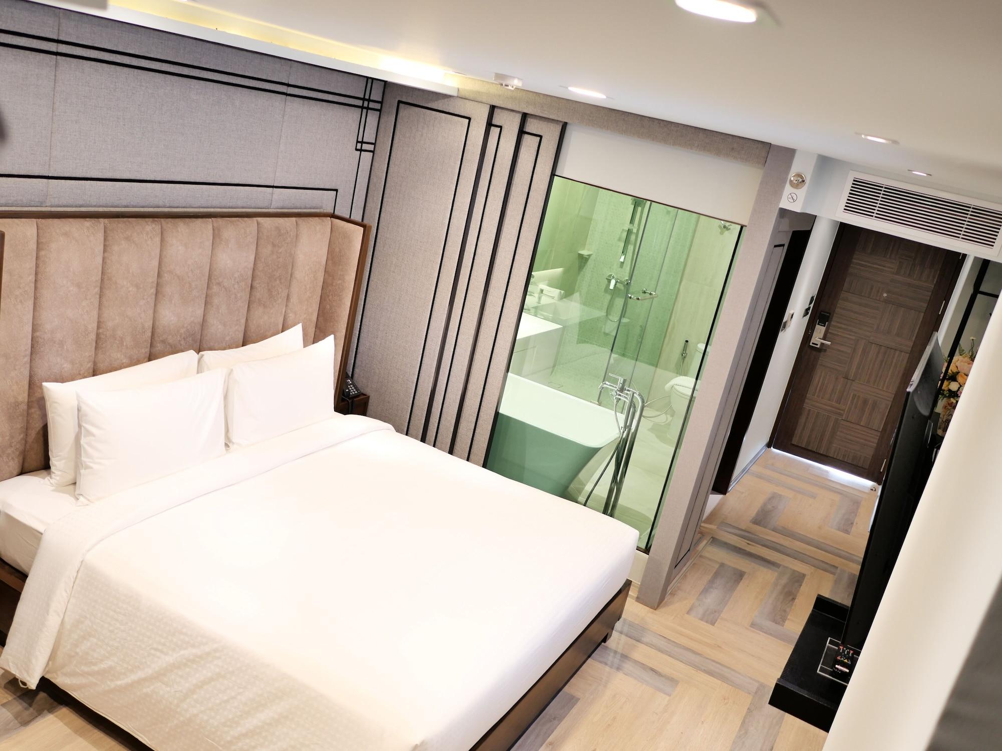 First Pride Hotel Bangkok, Ratchathewi