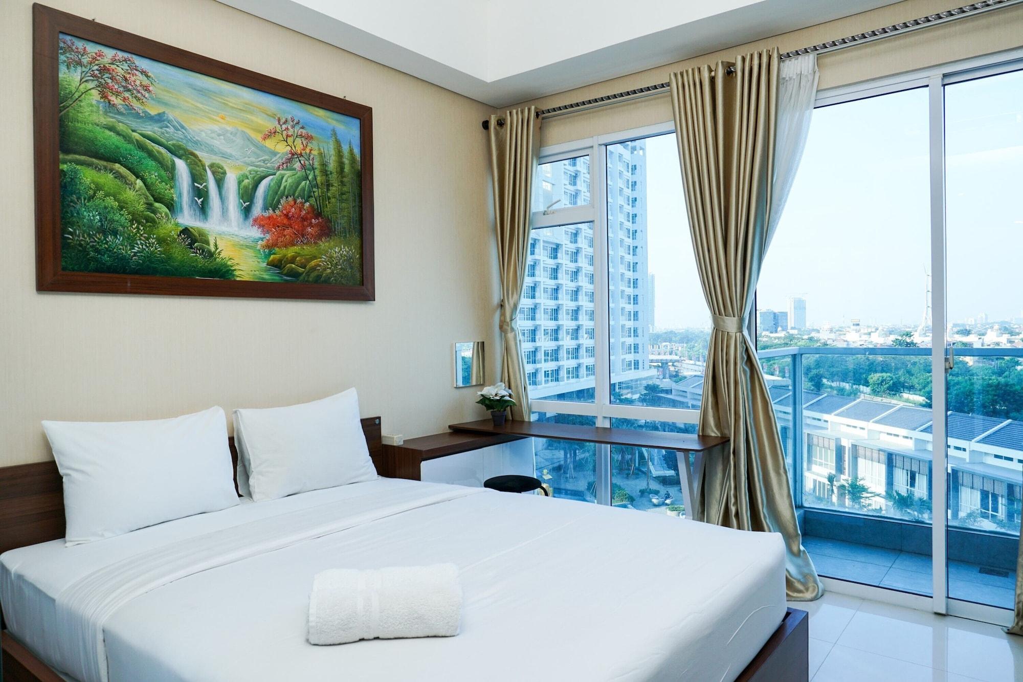 Deluxe and Comfortable Studio Puri Mansion Apartment, Jakarta Barat