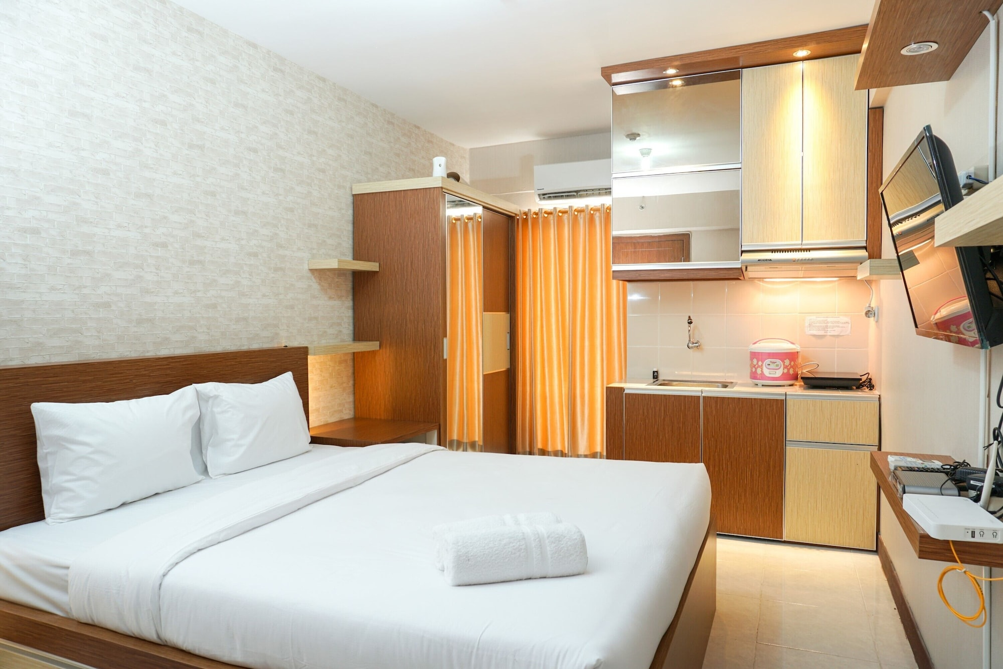 Modern Studio Apartment at Cinere Resort, Depok