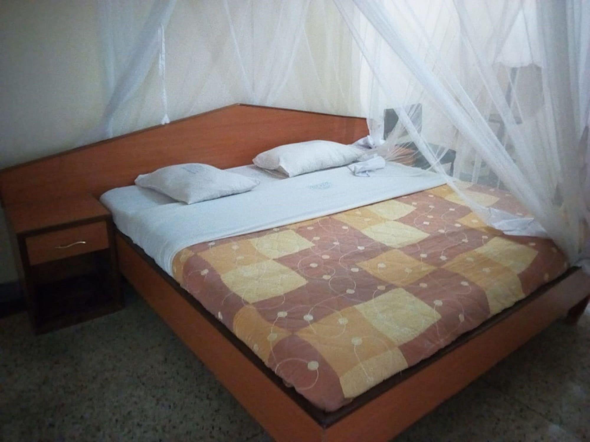 Wambuku Hotel, Naivasha