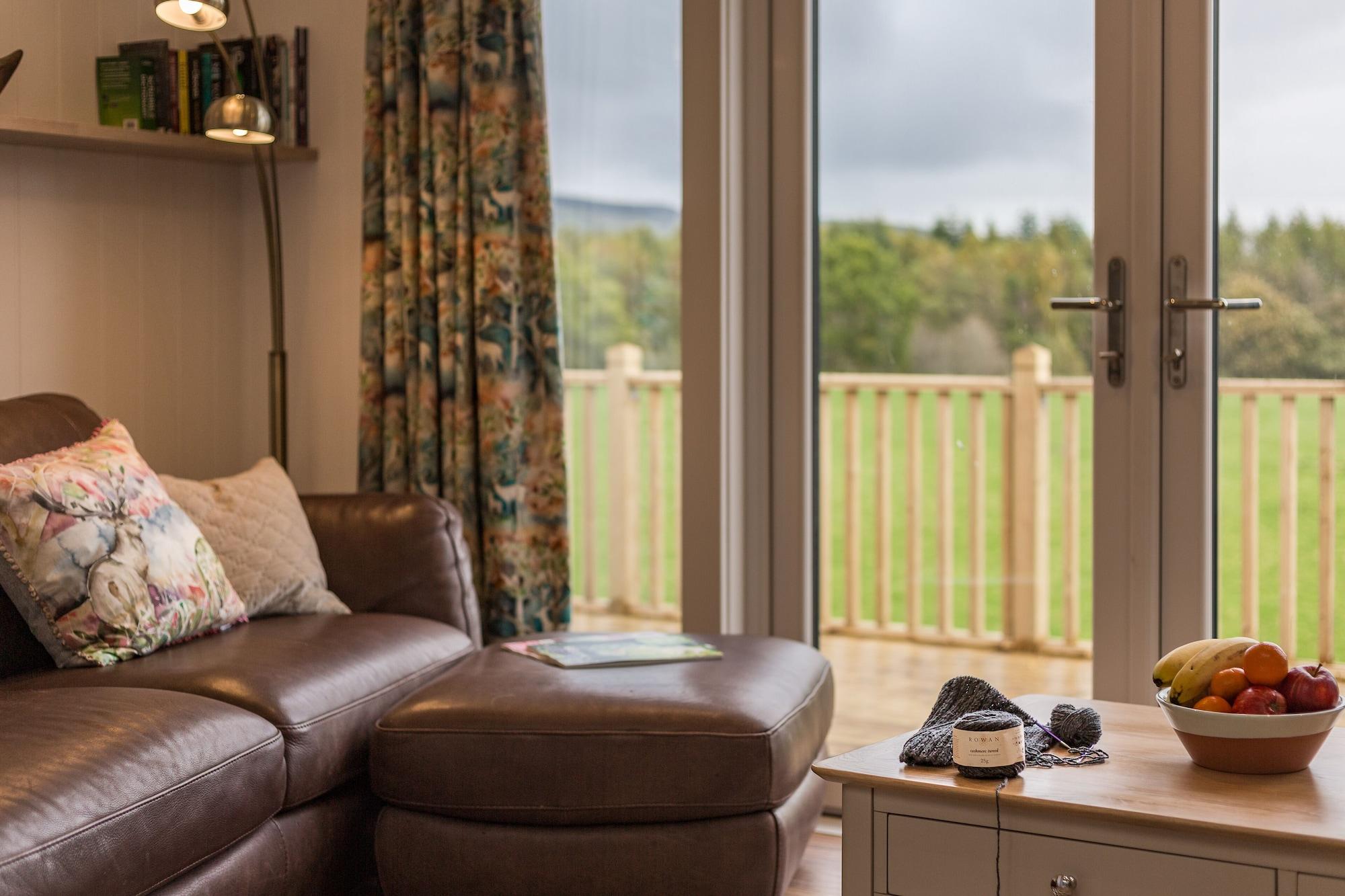 Scenic 2 Bedroom Karelia Lodge, Perthshire and Kinross