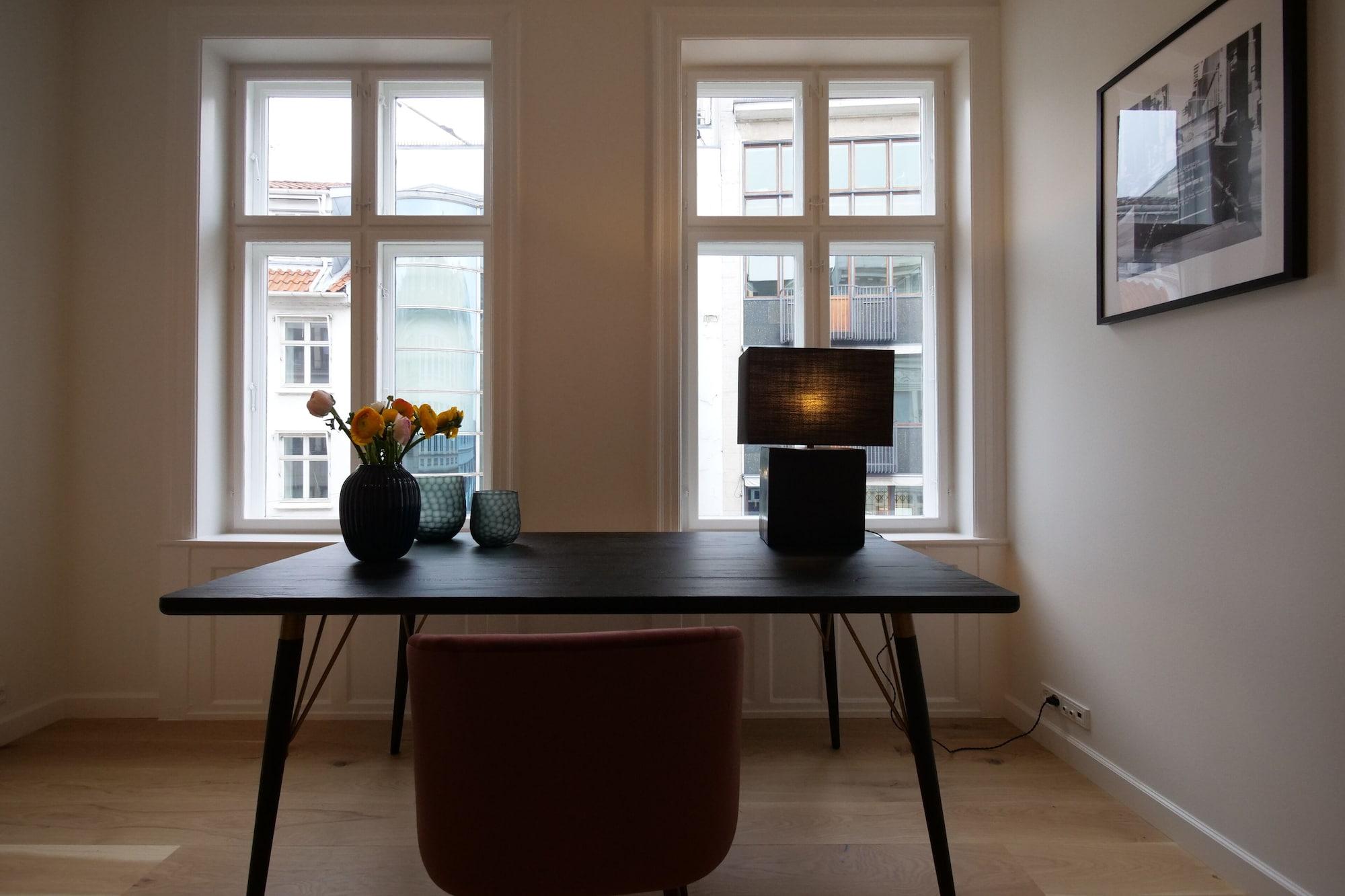 Absolute Deluxe Apartment Kongens Nytorv 3BR, Copenhagen