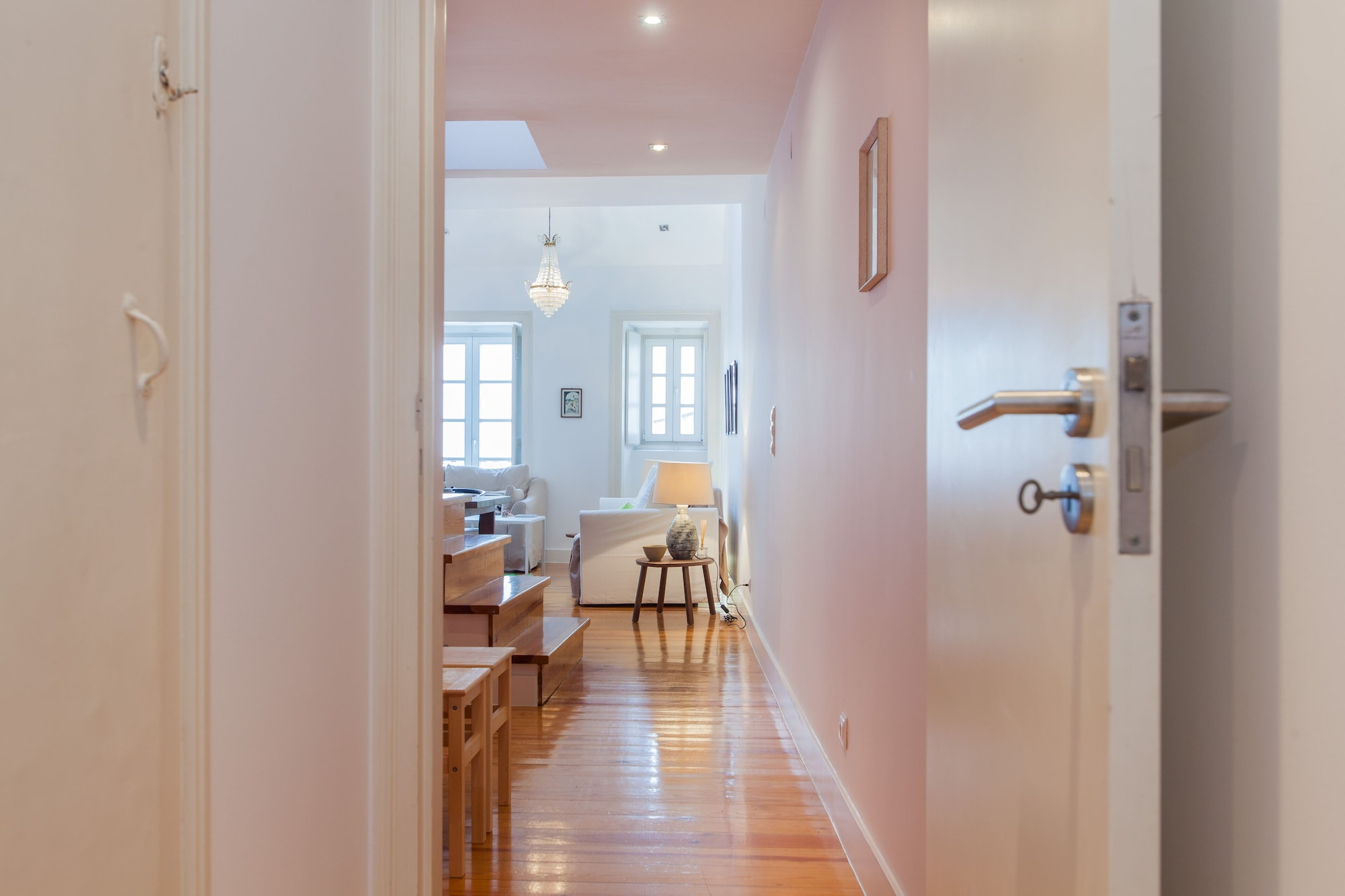 Dream Apartment Chiado and Free Pick Up by TimeCooler, Lisboa