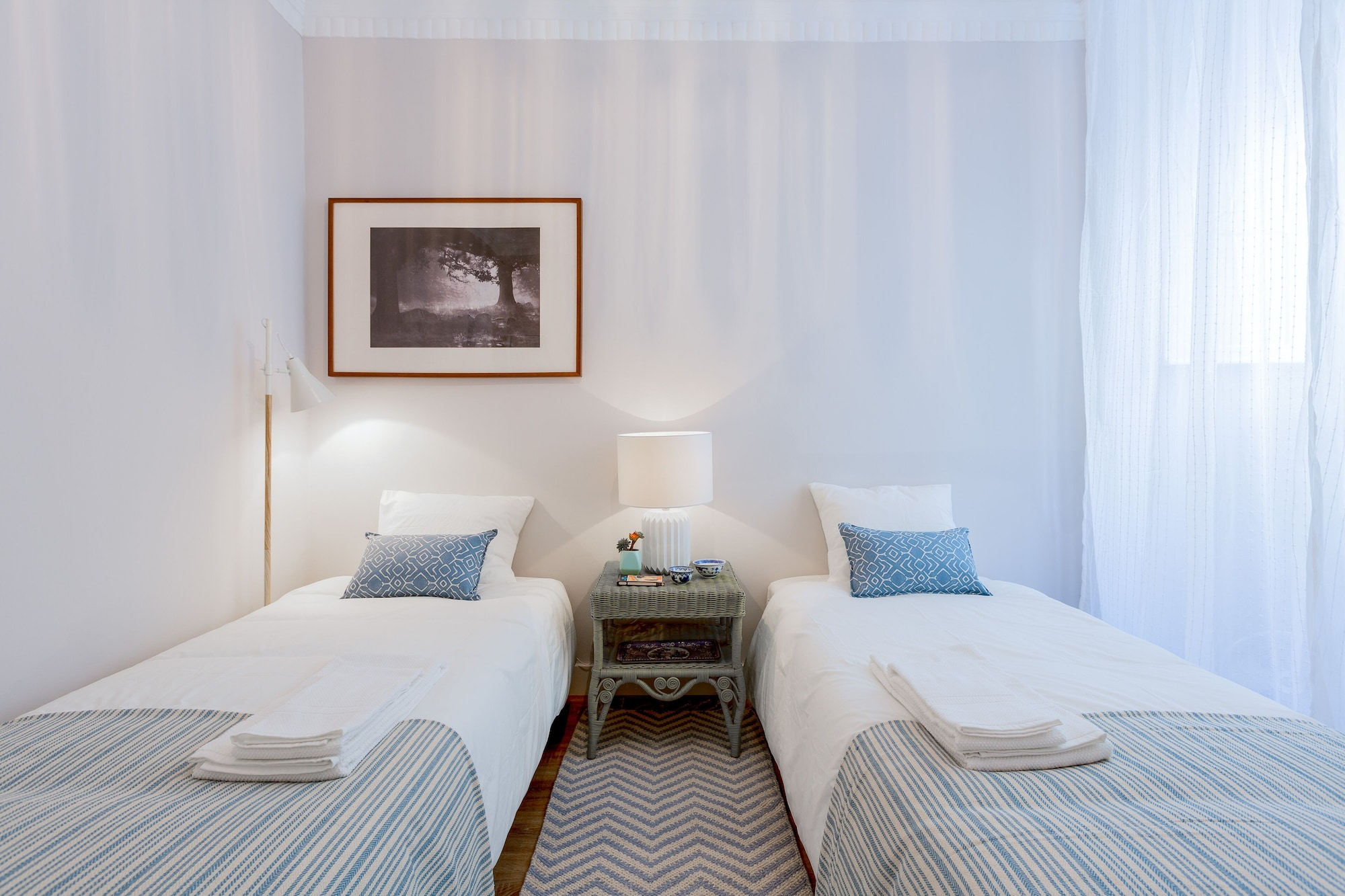 Baixa 2 Bedrooms Apartment with Patio + Free Pick Up By TimeCooler, Lisboa