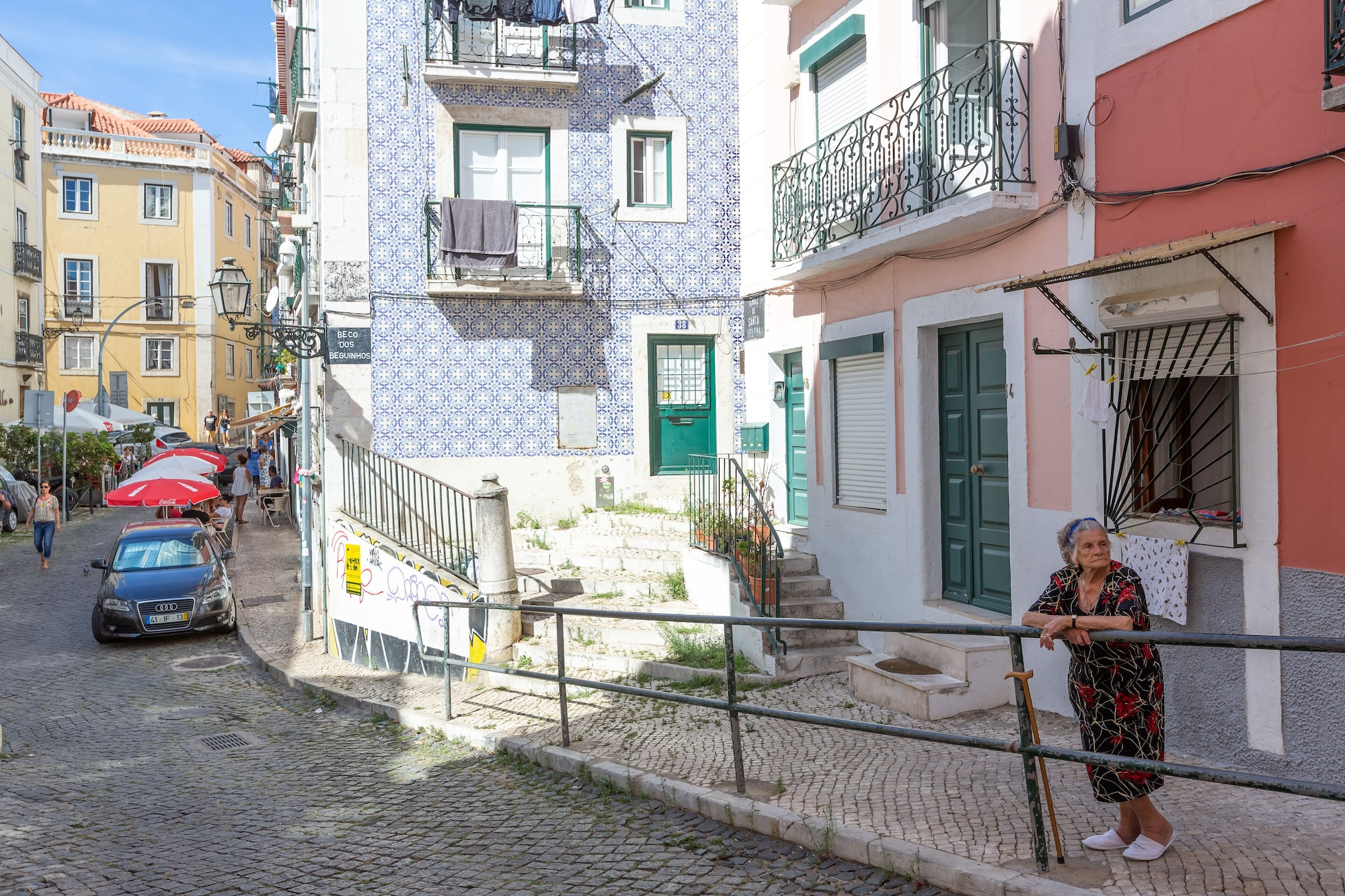 Typical Alfama Apartment + Free Pick-Up, By TimeCooler, Lisboa