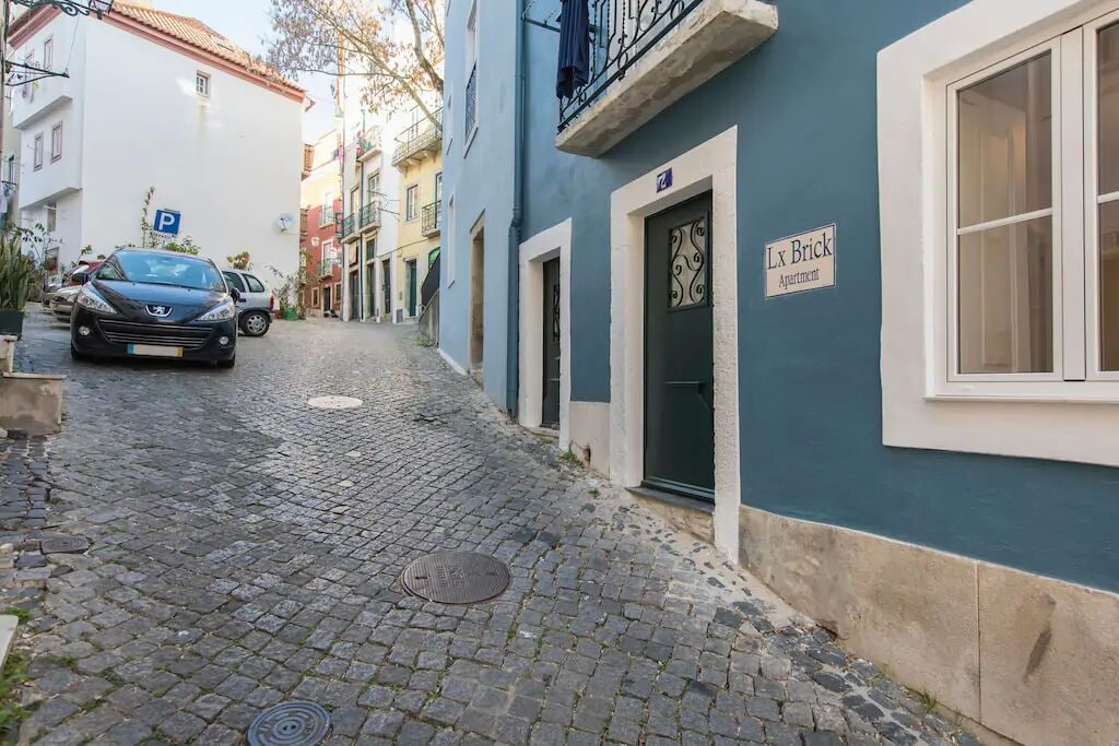 Renovated Alfama Apartment With Free Pick-Up, By TimeCooler, Lisboa