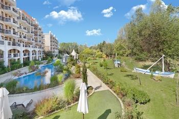 Harmony Suites Grand Resort