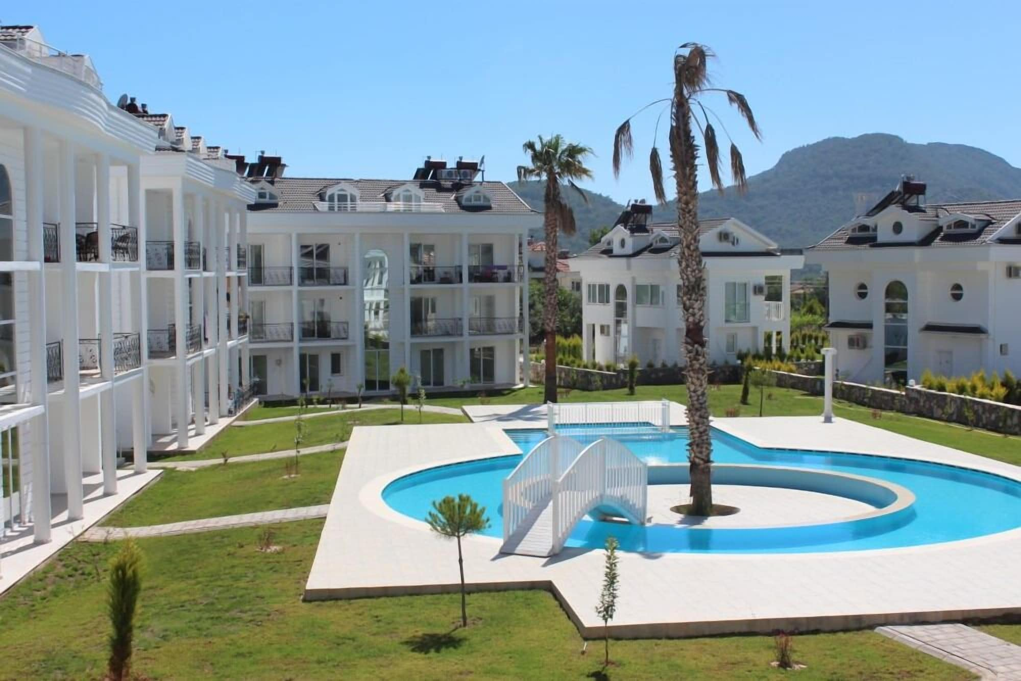 Villa 6630, Merkez
