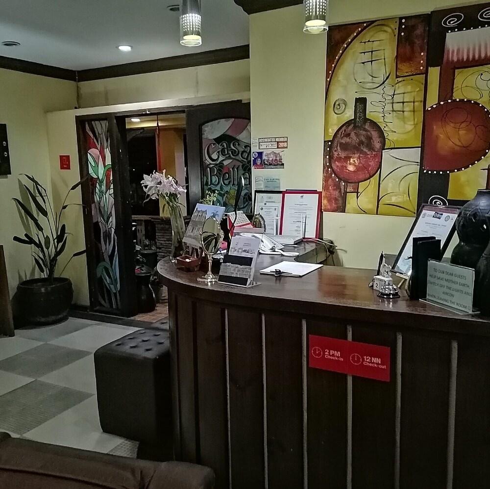 https://i.travelapi.com/hotels/43000000/42510000/42504800/42504724/49f69b64_z.jpg