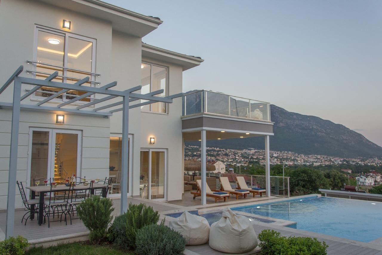 Residence Villa 01, Merkez