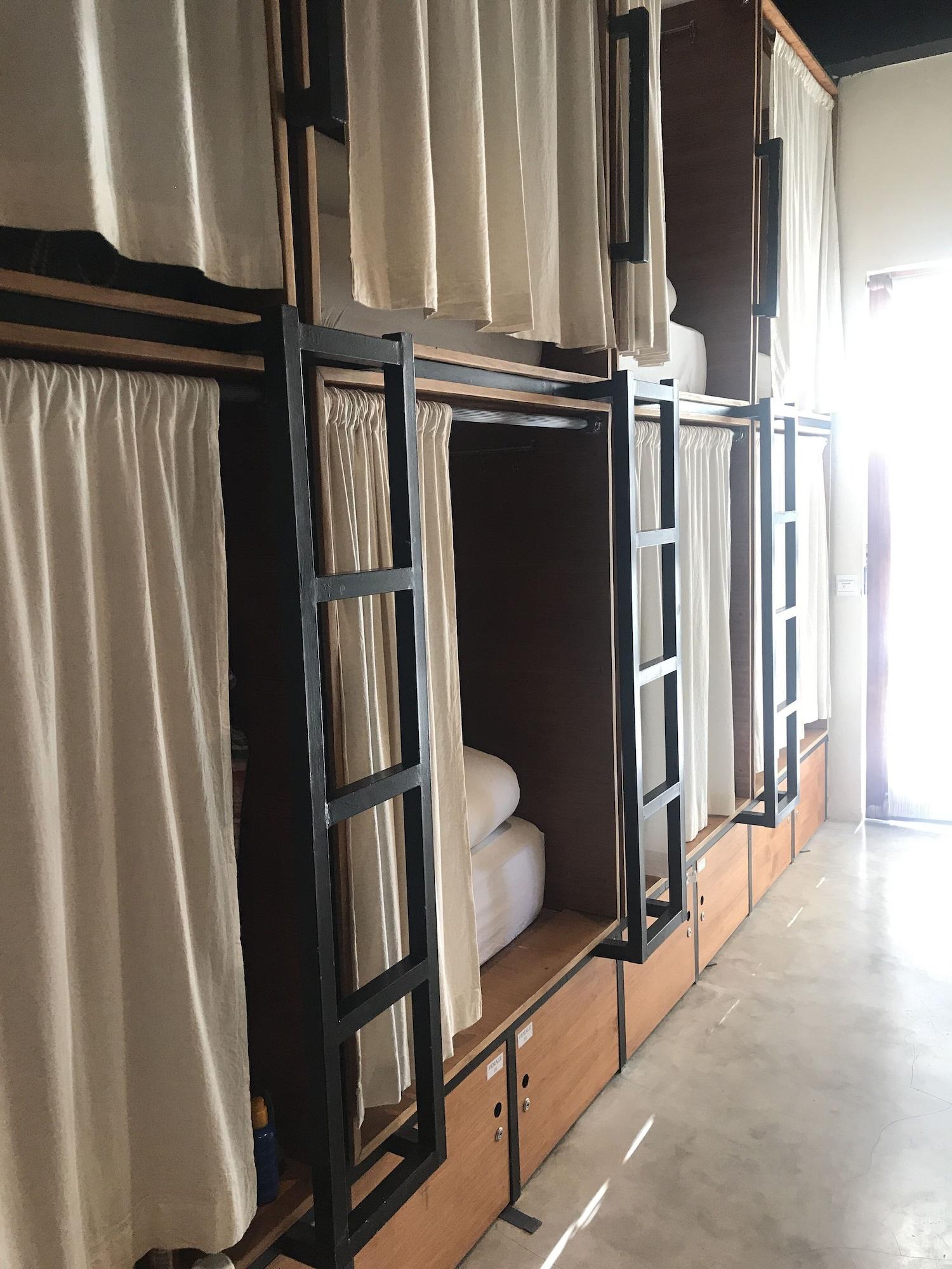 Bamba Capsule Hotel - Hostel, Lombok Tengah