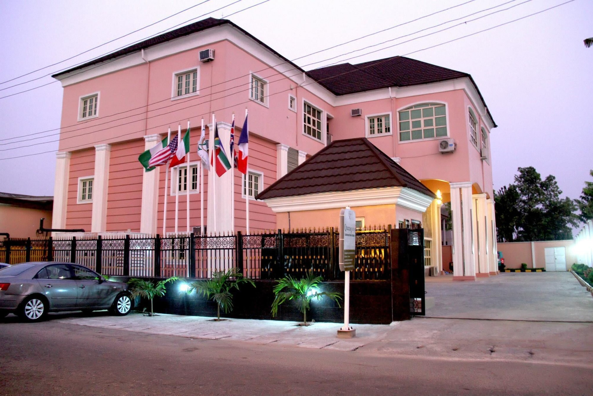 Queensgate Continental Hotel and Suites, Port Harcourt