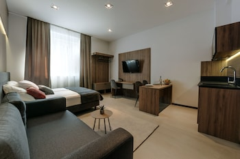 APRICOT LUXE APARTMENTS