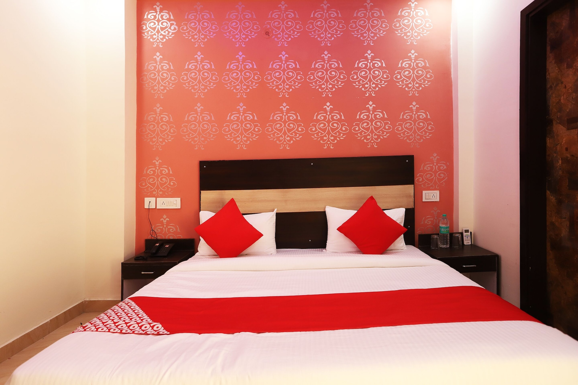 OYO 24236  Dwarka Residency, West