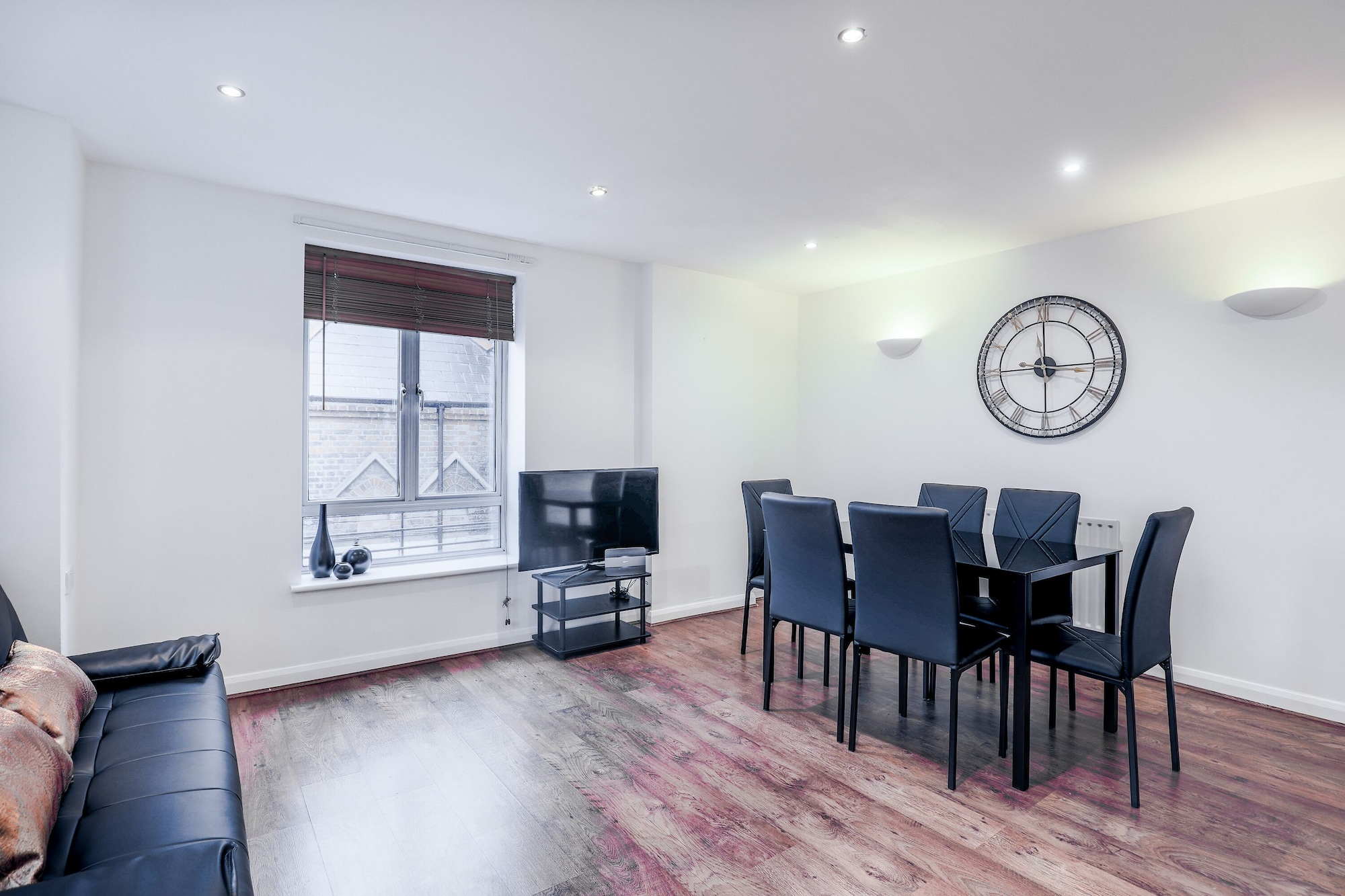 New Cross Apartment by Emerald, London