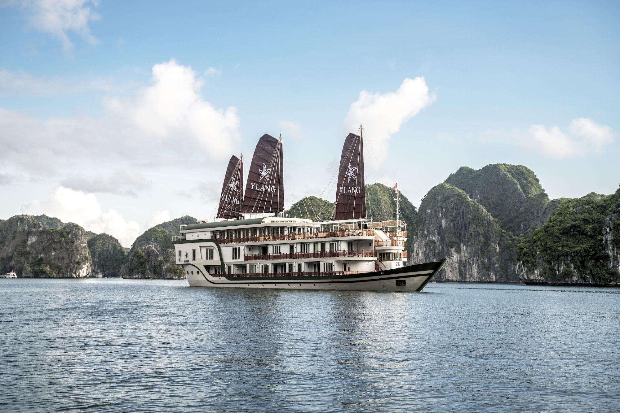 Heritage Line Ylang Cruise, Hạ Long