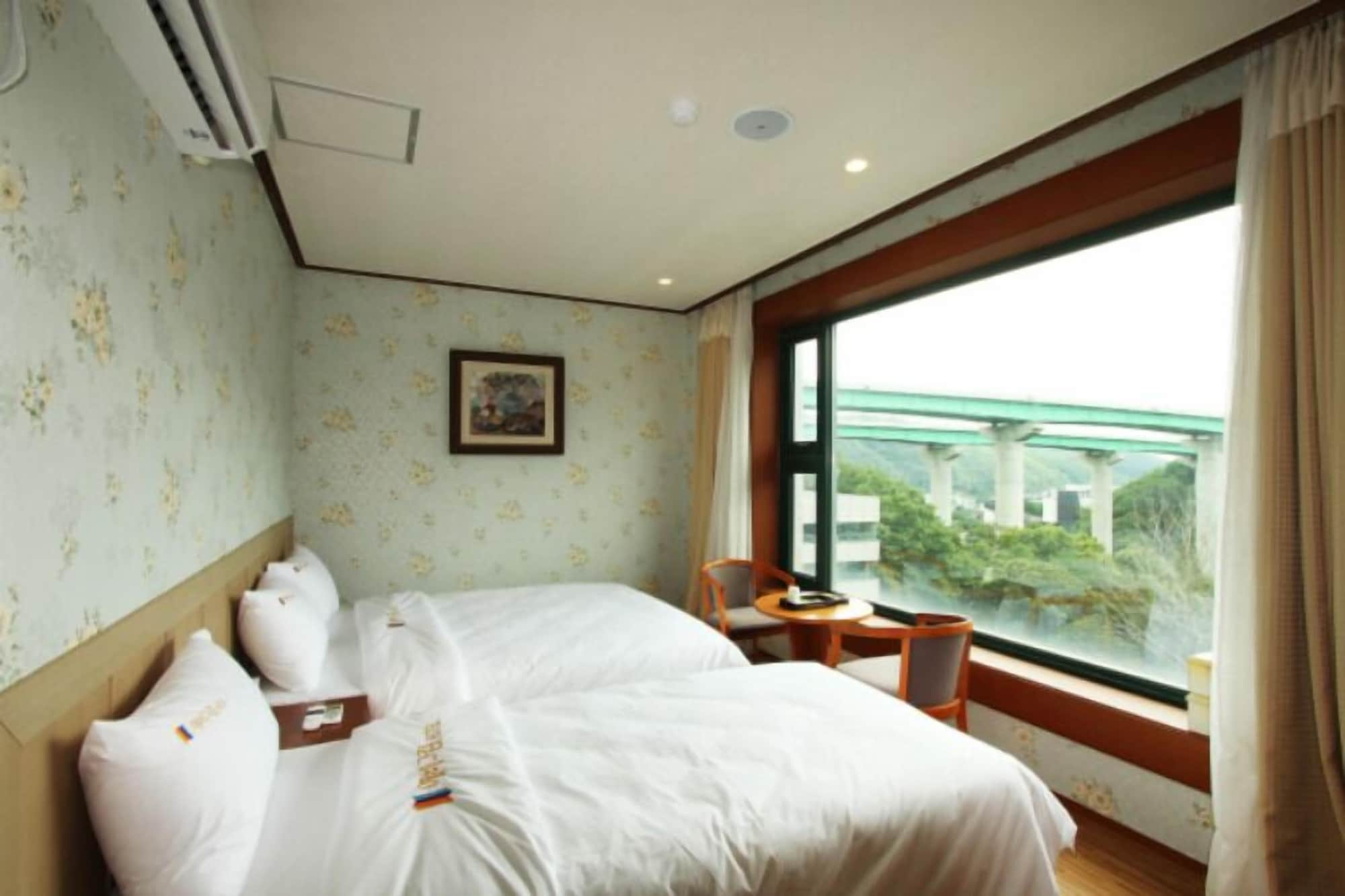Evergreen Tourist Hotel, Yangju