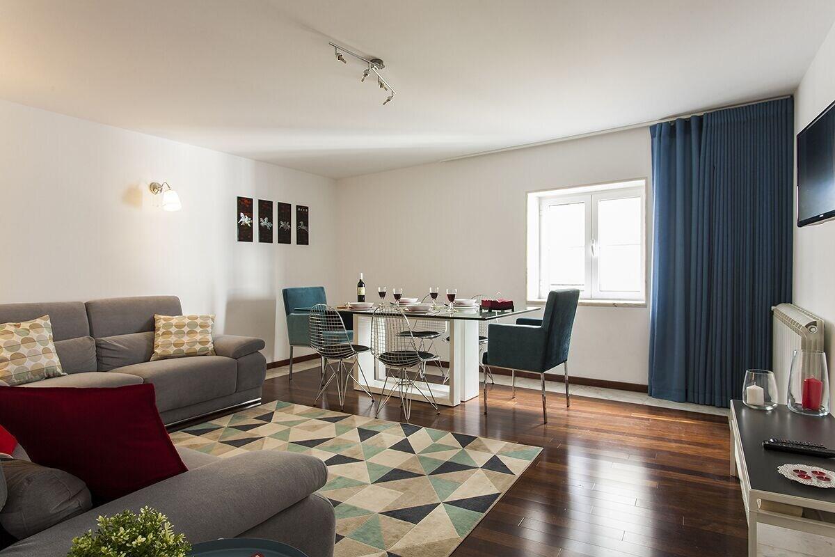 Chiado Patio Apartment Rentexperience, Lisboa