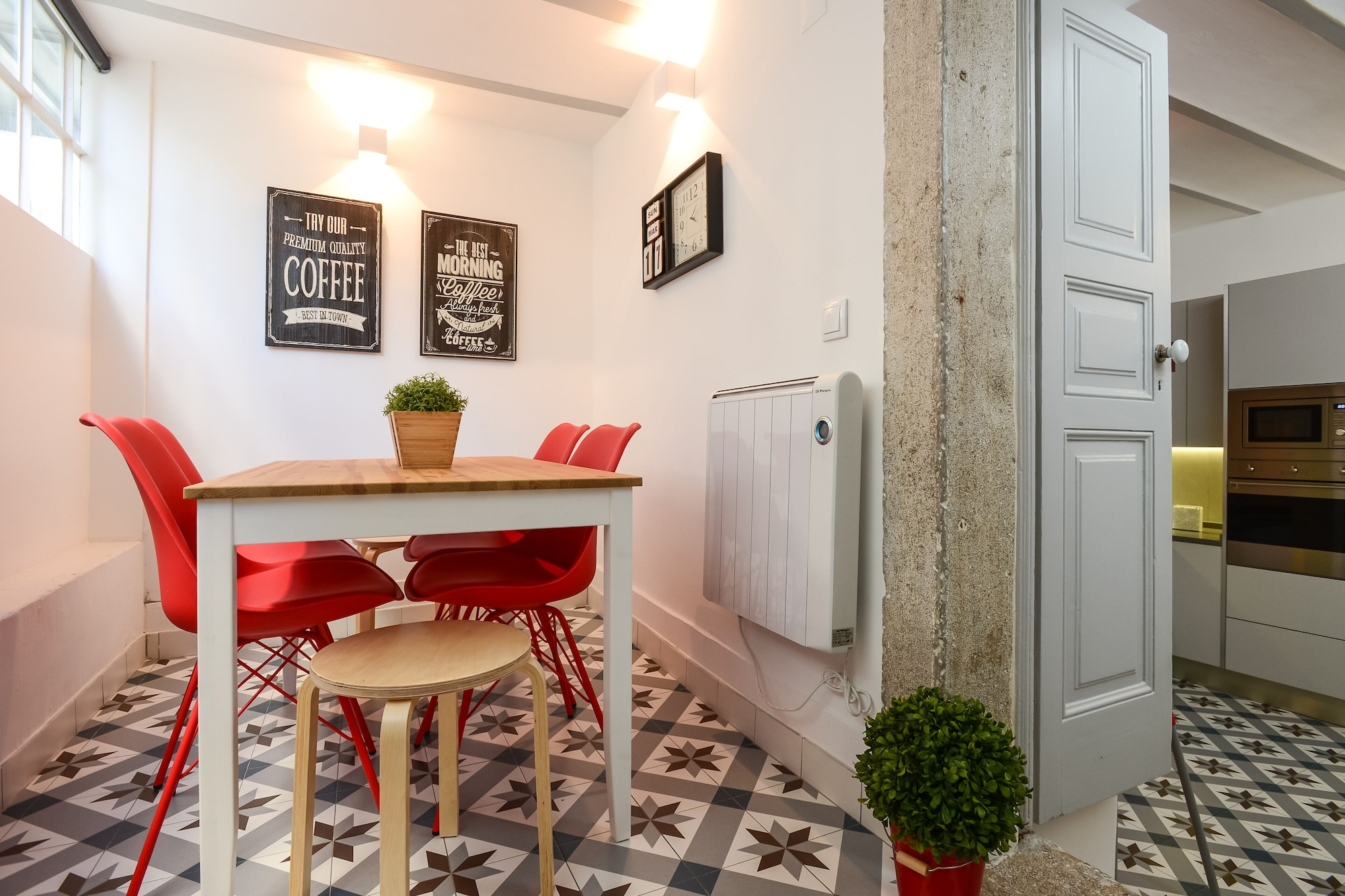 Great Location Close to the Metro, Cascais