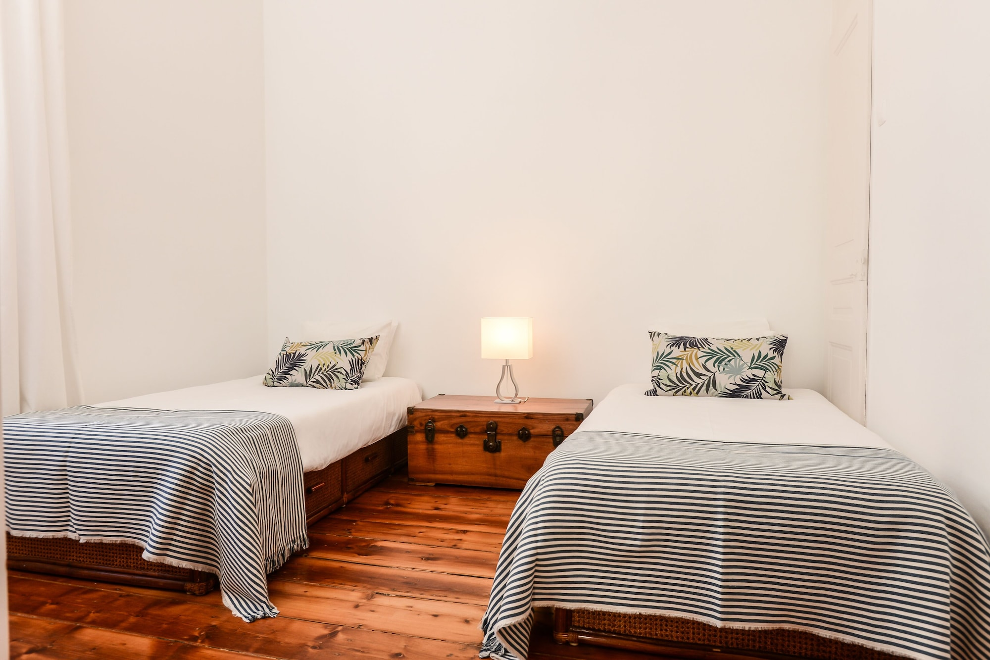 Bright Apartment with River View, Lisboa