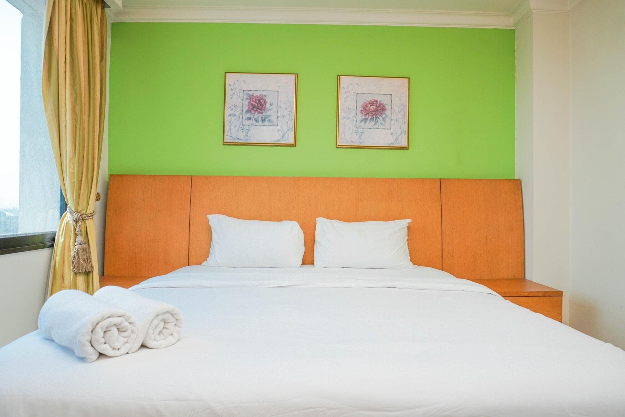 Good Location 2BR at Park Royale Apartment, Jakarta Selatan