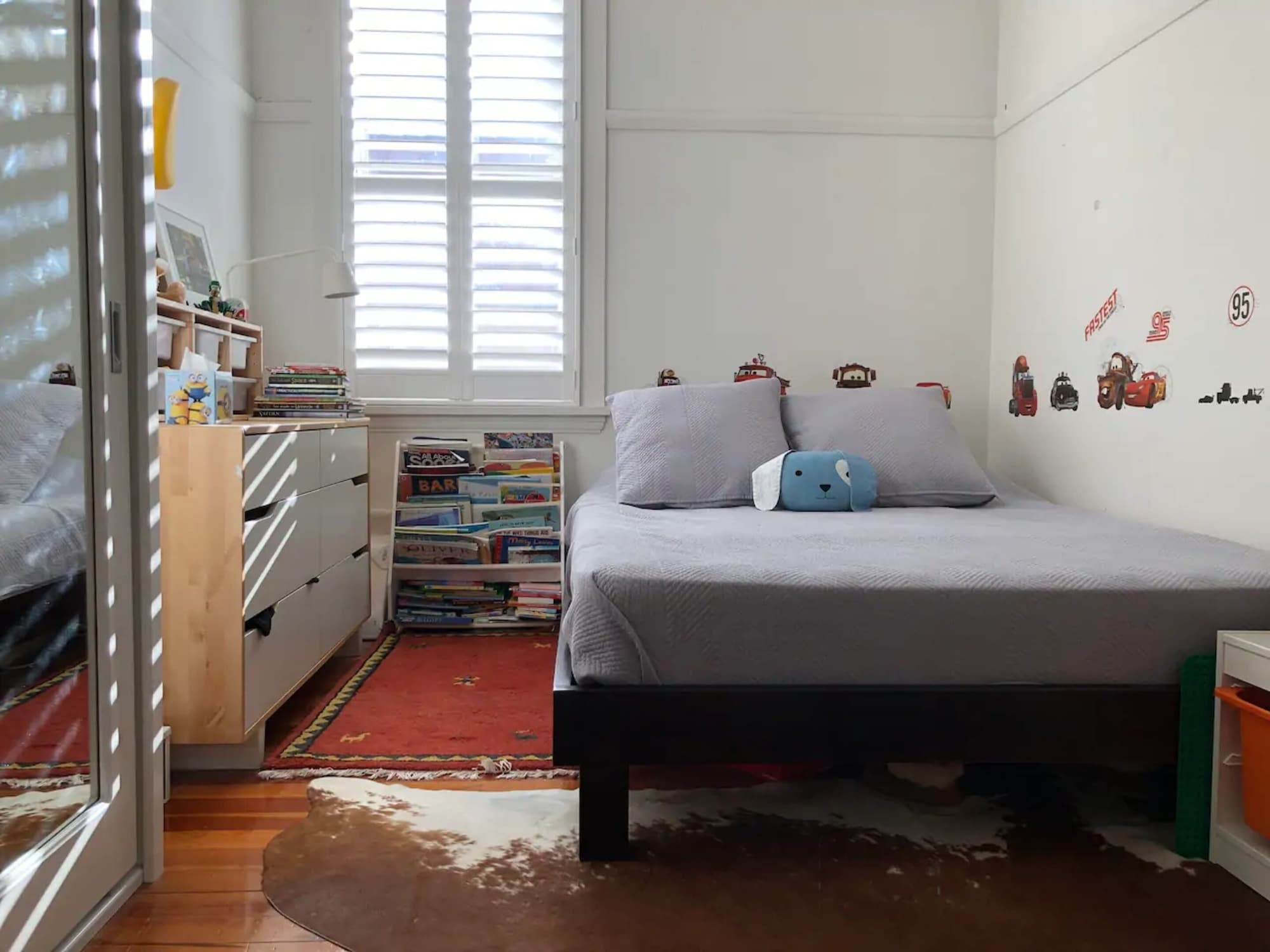 Spacious Apartment Close to Sailing Club and Beach, Woollahra