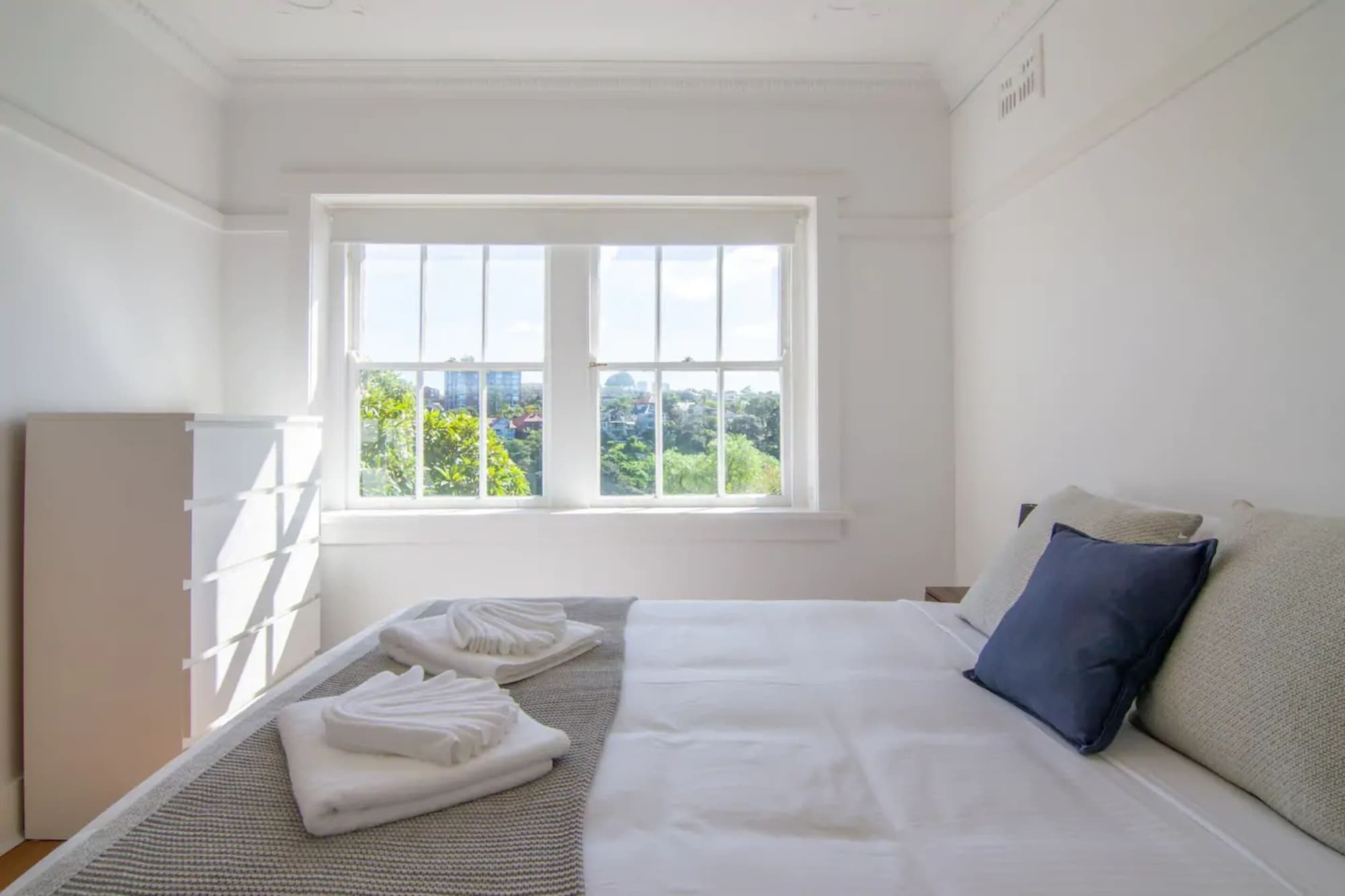 Two Bedroom Apartment in Mosman With Harbour Views, Mosman
