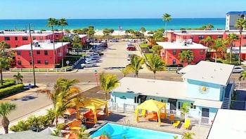聖彼特海灘別墅飯店 The Villas at St Pete Beach