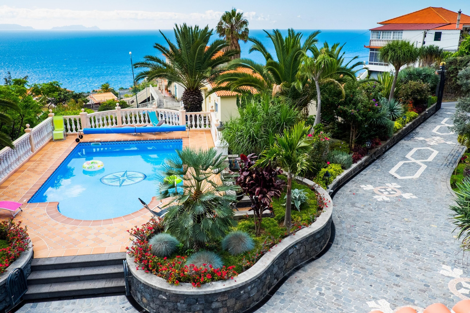 Studio in Caniço, With Shared Pool, Enclosed Garden and Wifi - 1 km From the Beach, Santa Cruz