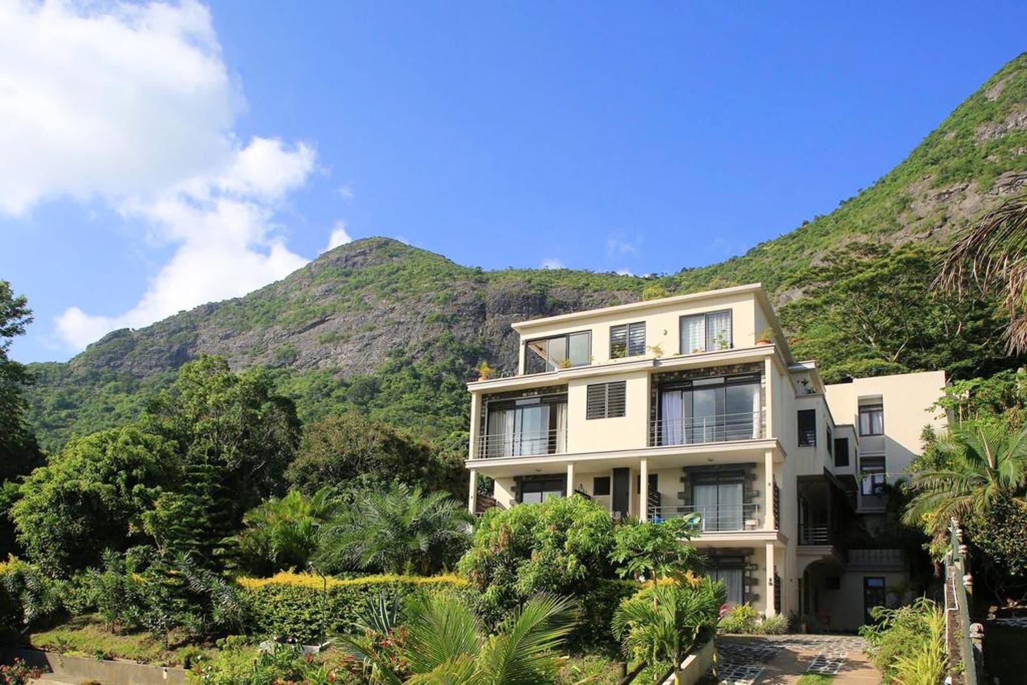 Studio in Moka, With Wonderful Mountain View, Furnished Terrace and Wifi,