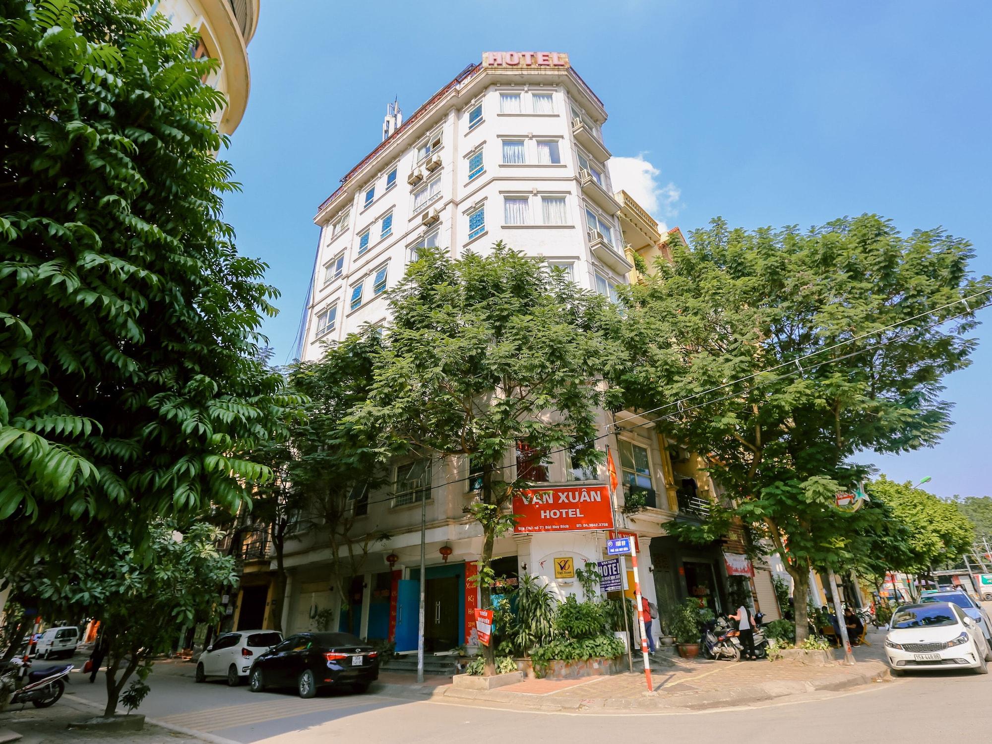 OYO 437 Van Xuan Hotel, Hoàng Mai