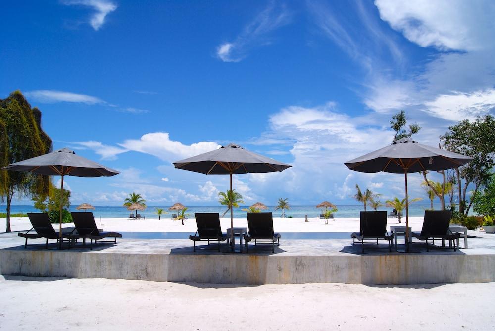 https://i.travelapi.com/hotels/45000000/44660000/44653600/44653564/9aa522db_z.jpg