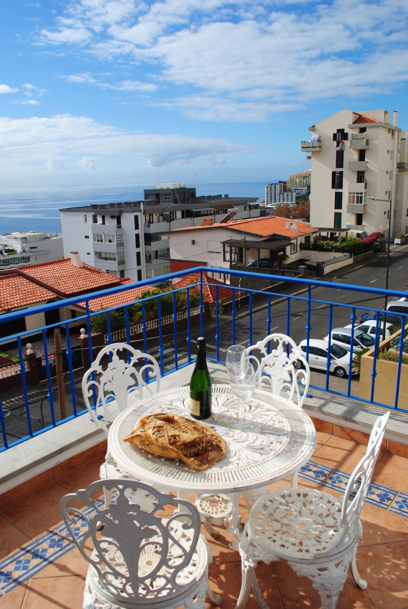 Aquamarina, Funchal